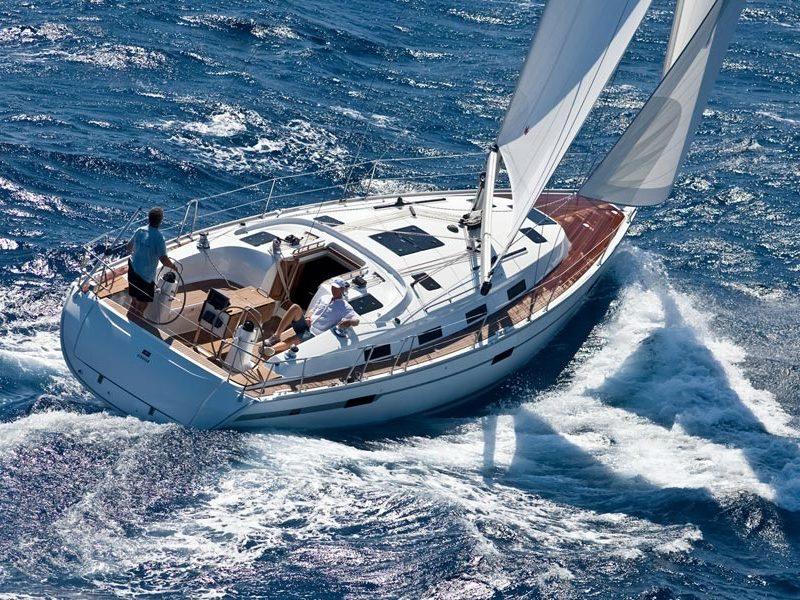 bavaria-cruiser-40-main-sailing-greece-sailbook